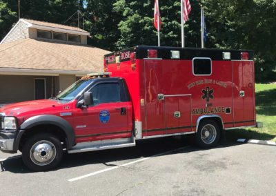 2v15 - 2005 Ford F450 Ambulance